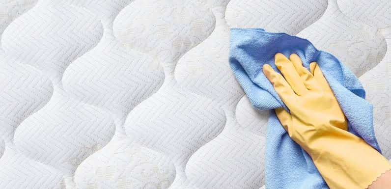 3 Steps to Tackle Tough Stains Out of Your Mattress